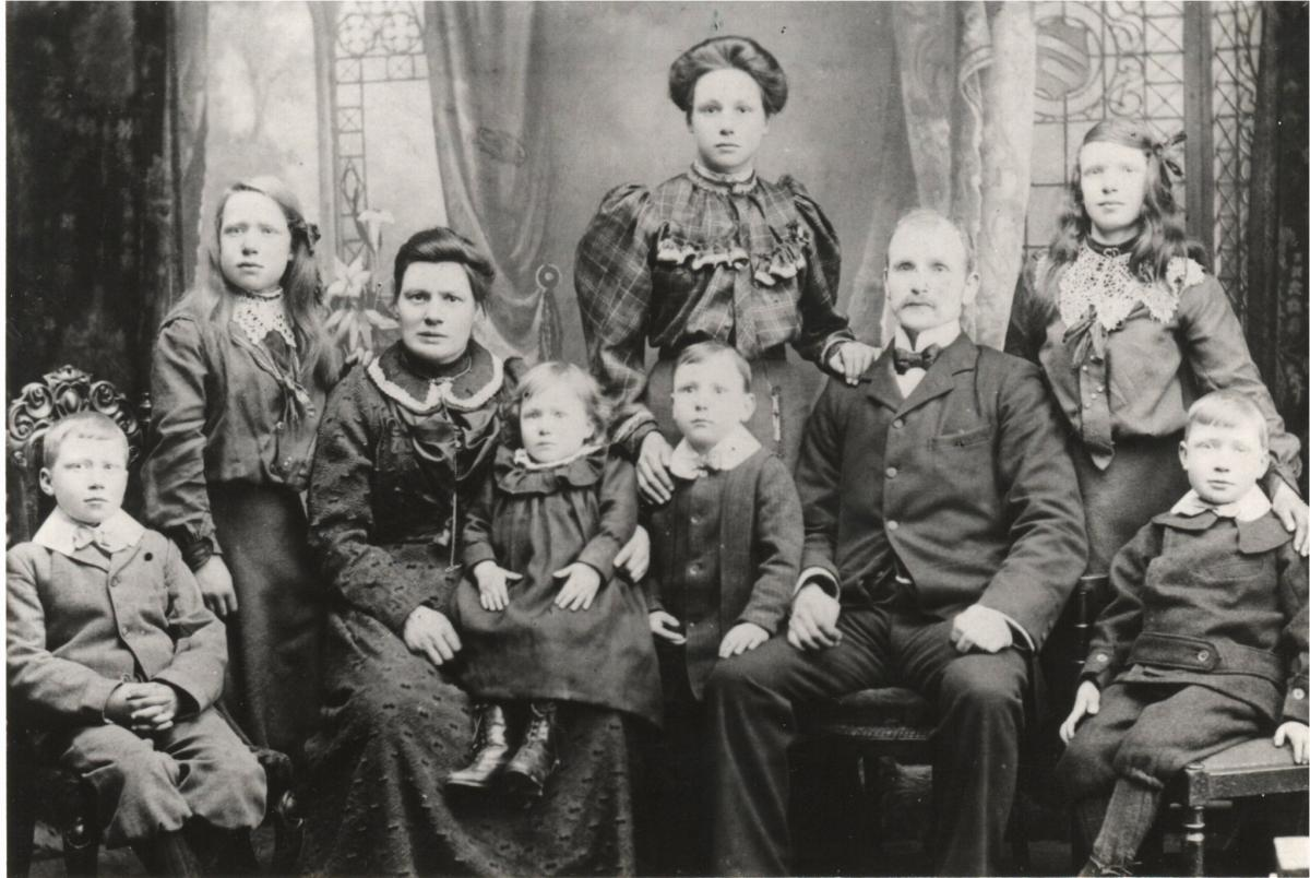 John Wilson and Mary Ross and their 7 children